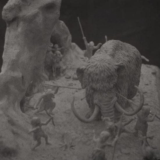 Maquette, scène préhistorique, collections du muséum de Toulouse
