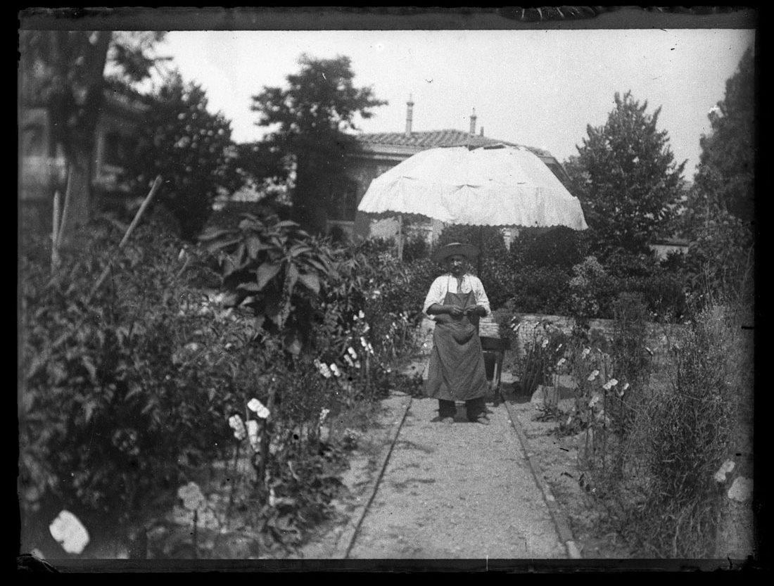 Jardin botanique, dépôt de Les Toulousains de Toulouse et Amis du Vieux Toulouse aux archives municipales en 2006