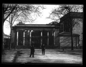 Porte principale du jardin des plantes de Toulouse, photographie fonds Trutat du muséum de Toulouse