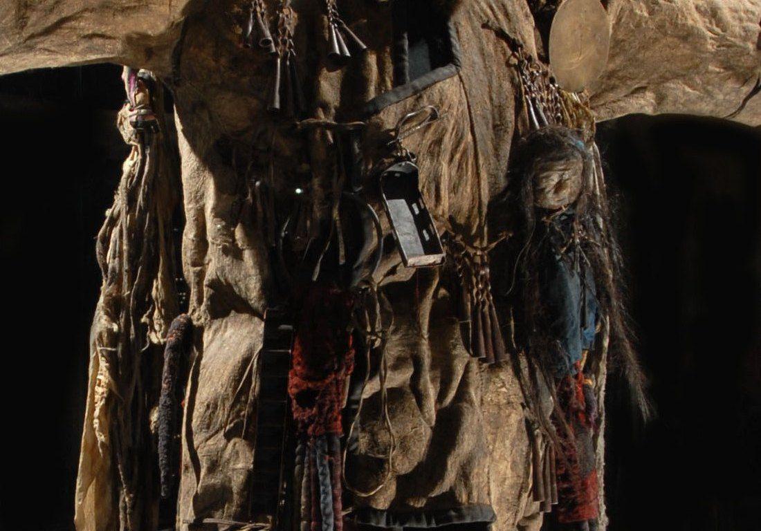 costume de chamane de Mongolie, collections du muséum de Toulouse